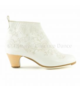 Botin Bordado (Embroidered)