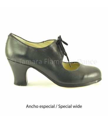 in stock flamenco shoes professionals - Begoña Cervera - Cordonera black leather carrete heel special wide