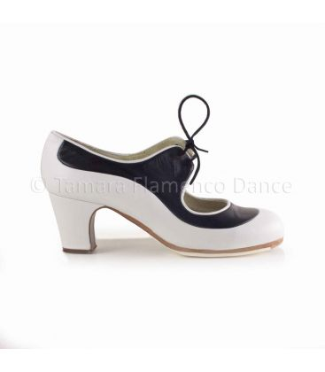 in stock flamenco shoes professionals - Begoña Cervera - Angelito white and black leather classic 6cm heel