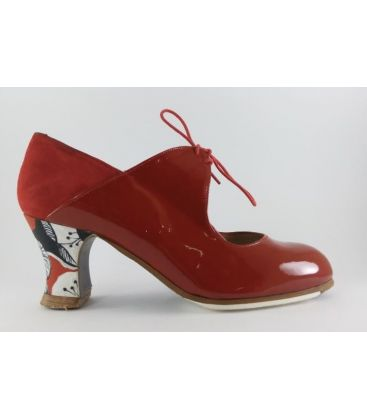 in stock flamenco shoes professionals - Begoña Cervera - Arty red patent leather and suede with carrete heel