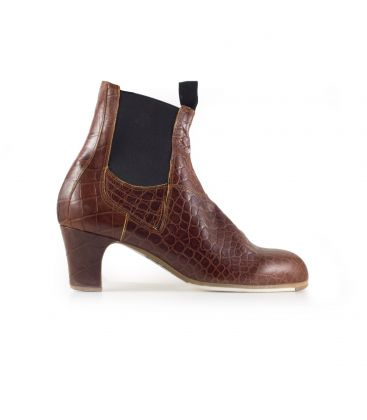 flamenco shoes for man - Begoña Cervera - Boto with zipper brown crocodile leather classic heel