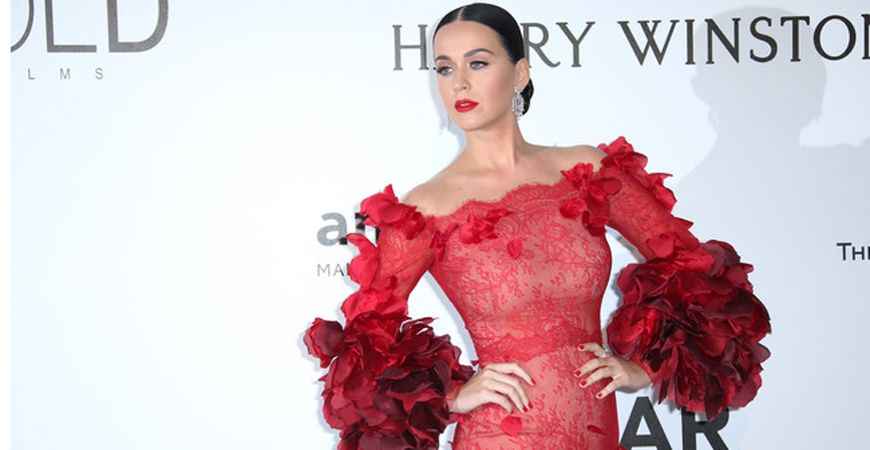 FLAMENCA FASHION ON RED CARPETS